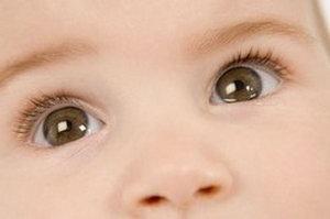 Слезятся глаза у младенца
